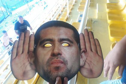 Riquelme y su máscara: se armó polémica en Boca Juniors y La ...