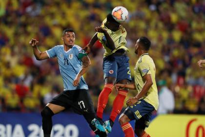 Uruguay perdería a un importante defensa por lesión: sonríe ...