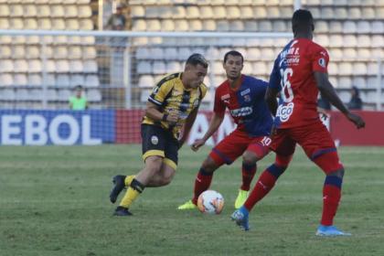 Con susto, Medellín clasificó en Libertadores: perdió 2-0 con Táchira