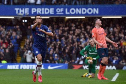 Everton no contó con Mina y decepcionó: fue goleado por Chelsea