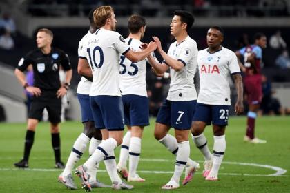 Dávinson fue titular en la gran victoria de Tottenham sobre West Ham