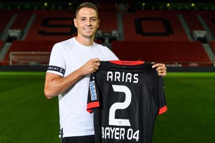 Si es Bayer, es bueno: Santiago Arias es anunciado en Leverkusen