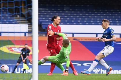 ¿Lesión de Van Dijk es peor de lo que parece? El temor del Liverpool