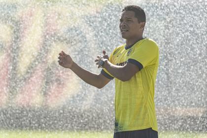 ¡Con Carlos Bacca titular! Dynamo Zagreb vs Villarreal, véalo EN ...