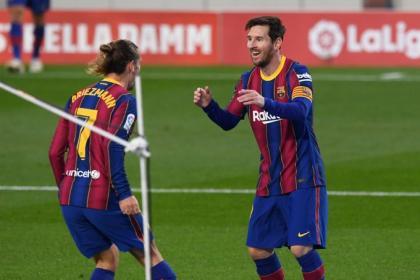 Por eso le dicen mago: Messi ayuda al Barcelona a golear al Real ...
