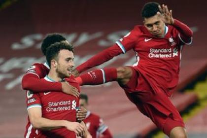 Liverpool paseó a Leicester: inapelable goleada y otra vez al liderato