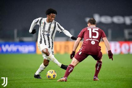 Cuadrado, titular con la Juventus para los octavos de la Champions