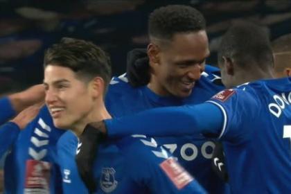 Yerry selló la goleada: así fue su gol con Everton en la FA Cup