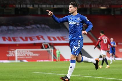 ¡Valía la pena esperar! El lindo gol de James en regreso con Everton