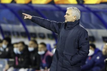 Mourinho no se esconde: fue atacado por 'paparazzis' y así respondió