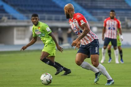 Junior respira en la Liga: goleó 3-0 al Pereira en el Metropolitano
