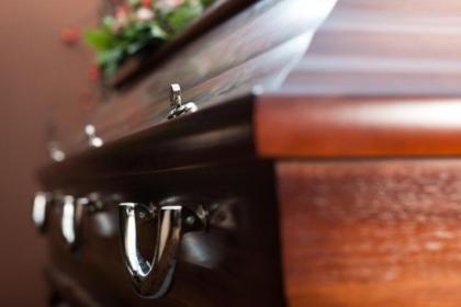 No más violencia: Barristas atacan funeral de hincha de Millonarios