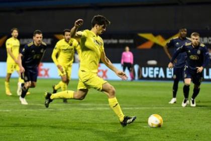 Victoria capital de Villarreal en Europa League: Bacca fue titular