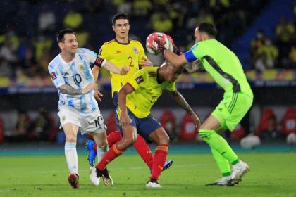 Ospina, la gran figura: así calificaron a la Tricolor en Argentina