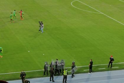 Jugadores del América y Osorio salieron escoltados del Pascual