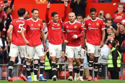 Goleada y liderato: exhibición del Man. United en el debut de Ronaldo