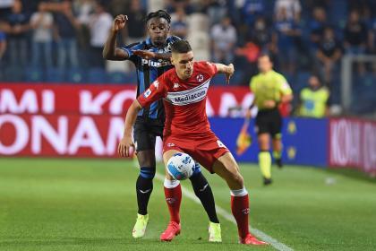 Duván Zapata se reportó en las redes: gol en la derrota del Atalanta