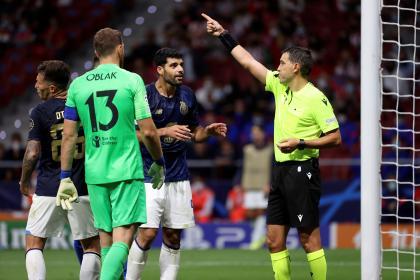¿Robaron al Porto? Polémica por acción de gol anulada y una ...