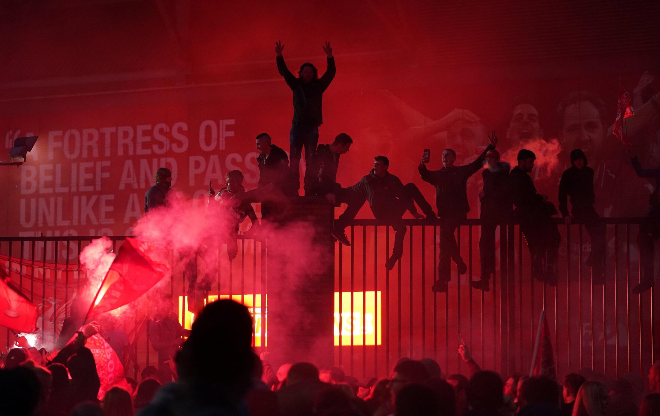 Las mejores imágenes de un esperado título: Locura en Liverpool 2