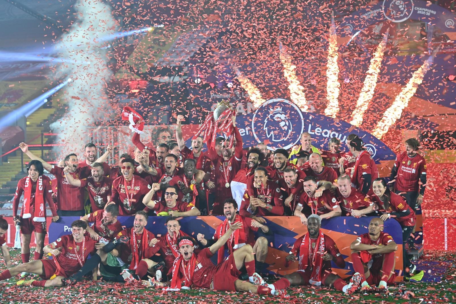 Las mejores imágenes de un esperado título: Locura en Liverpool 8